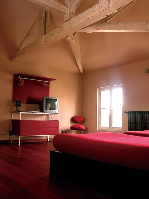 10-맨 윗방의 넓은 공간을 가족을 위한 룸으로 정했다-----