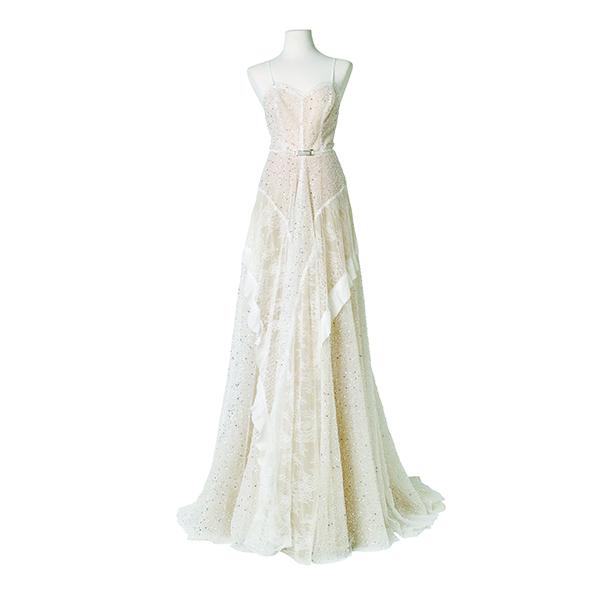 보디라인을 따라 흐르는 실루엣이 아름다운 비즈 장식 레이스 드레스 1천5백만원대 …